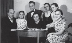 WilhelmBusch_Family photo 1943
