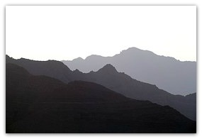 mountains-768459__180